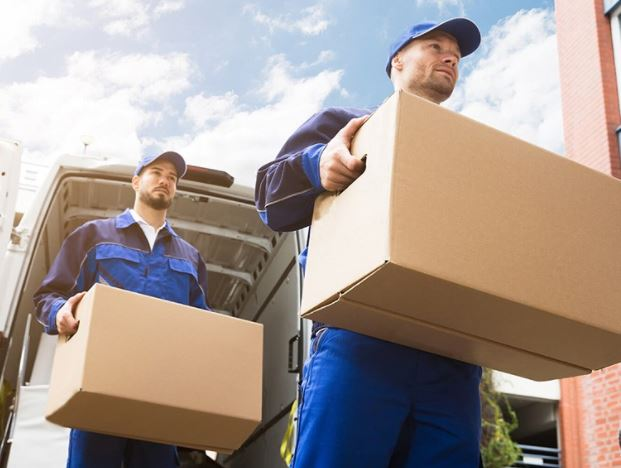 5 Questions To Ask Your Movers Before Hiring Them